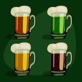 Комплект зеленого цвета пива шаржа виды пива Стоковая Фотография RF