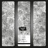 Комплект знамен шаблона вектора с предпосылкой конспекта краски акварели и doodle вручают вычерченные цветки черная белизна карти Стоковые Фотографии RF