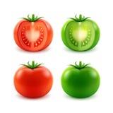 Комплект зрелым красным томатов отрезанных зеленым цветом всех Стоковое Фото