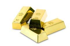 Комплект изолированного золота в слитках Стоковые Изображения
