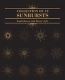 Комплект или собрание sunburst в линейной стиле нарисованном рукой Круглые солнечные лучи или кольцо сияющих лучей, пирофакела св Стоковое Изображение