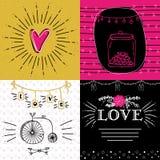 Комплект карточек влюбленности стиля doodle с сердцами Стоковое Изображение