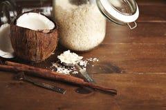 Комплект кокоса и smoothie cinnammon Стоковое Изображение