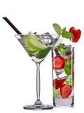 Комплект коктеилей mojito при мята, известка и клубника изолированные на белой предпосылке Стоковое Изображение RF