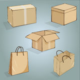 Комплект коробок и сумок для упаковки Стоковое фото RF