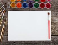 Комплект красок акварели, щеток для красить Стоковые Изображения RF