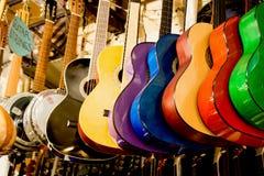 Комплект красочных классических моделей гитары Стоковая Фотография RF