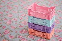 Комплект красочных малых пластичных коробок Стоковая Фотография