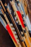 Комплект крупного плана старый средневековых стрелок с ярким оперением Стоковое Изображение