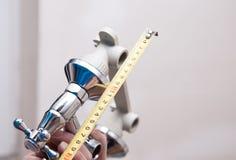 Комплект клапана воды и верньерный сантиметр Стоковое фото RF