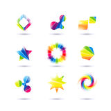 Комплект минимальных геометрических multicolor символов и форм Ультрамодные значки и логотипы Дело подписывает символы, ярлыки, з Стоковые Фотографии RF