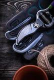 Комплект мотка бака торфа секаторов перчатки безопасности веревочки Стоковые Изображения
