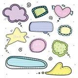 Комплект нарисованных рукой пузырей мысли речи Красочные милые элементы бесплатная иллюстрация