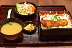 Комплект обеда японского риса покрытый с цыпленком Teriyaki Стоковое Фото