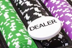 Комплект обломоков покера и кнопки торговца Стоковые Изображения