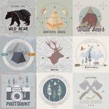 Комплект логотипов располагаться лагерем и мероприятий на свежем воздухе года сбора винограда Стоковые Изображения RF