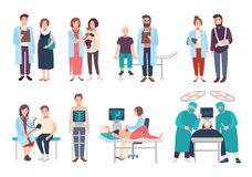Комплект докторов и пациентов в поликлинике, больнице Посещение к терапевту, педиатру, гинекологу, хирургу Медицинские иллюстрация штока