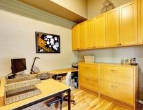 Комплект офисной мебели красный цвет дома входа двери стула нутряной самомоднейший Стоковое фото RF