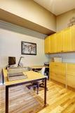 Комплект офисной мебели красный цвет дома входа двери стула нутряной самомоднейший Стоковые Фотографии RF