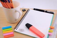 Комплект поставек канцелярских принадлежностей или математики офиса Стоковые Изображения