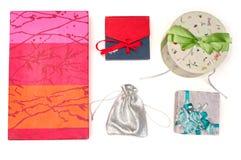 Комплект подарочных коробок над белизной Стоковая Фотография RF