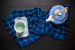 Комплект предпосылки чая Китая керамический чайник с чашкой Стоковое Изображение