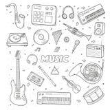 Комплект различные музыкальные инструменты против влюбленности иллюстрации сердец пар контура предпосылки целуя Стоковая Фотография