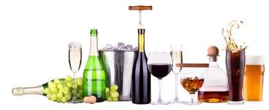 Комплект различных алкогольных напитков и еды Стоковое Изображение