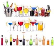 Комплект различных алкогольных напитков и коктеилей стоковое фото