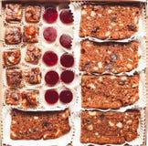Комплект различных видов естественных десертов в коробке коробки тон Стоковые Фото
