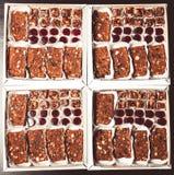 Комплект различных видов естественных десертов в коробке коробки тон Стоковые Изображения