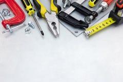 Комплект различных инструментов и аппаратур для реновации дома на s Стоковое Изображение RF