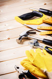Комплект различных инструментов на деревянной предпосылке Стоковые Фотографии RF