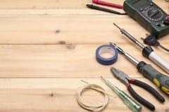 Комплект различных инструментов для ремонта и конструкции Стоковые Фотографии RF
