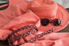 Комплект различных одежд и аксессуаров для женщин Стоковое Изображение