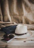 Комплект различных одежд и аксессуаров для людей Стоковое Фото