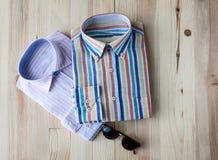 Комплект различных одежд и аксессуаров для людей Стоковые Изображения RF