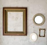 Комплект различных современных и старых зеркал и рамки фото Стоковые Фотографии RF