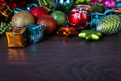 Комплект рождества и Нового Года Сферы и конусы ели Стоковое Фото