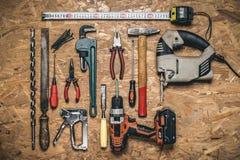 Комплект ручных резцов для работы на древесине на панели OSB Стоковые Фото