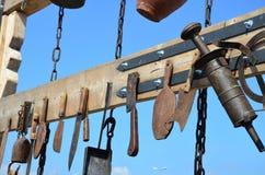 Комплект старых инструментов кухни - винтажное оборудование бабушки Стоковое Изображение