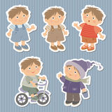 Комплект стикеров с мальчиками иллюстрация вектора
