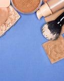 Комплект тона и цвета лица кожи продуктов состава даже вне Стоковое фото RF