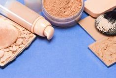 Комплект тона и цвета лица кожи продуктов состава даже вне Стоковая Фотография