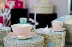 Комплект чая в магазине стоковые фотографии rf