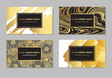 Комплект черноты и золото конструируют визитную карточку абстрактные предпосылки самомоднейшие Ход щетки Стоковое Изображение RF