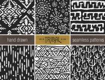 Комплект 6 черноты и whitepatterns нарисованных рукой племенных безшовных иллюстрация вектора