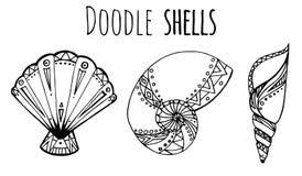 Комплект черно-белой иллюстрации Doodle seashell Стоковая Фотография RF
