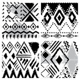 Комплект 4 черно-белой картин нарисованных рукой племенных безшовных Стоковая Фотография RF