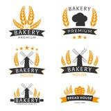 Комплект эмблемы магазина хлебопекарни, ярлыков, логотипа и элементов дизайна пшеница хлеба также вектор иллюстрации притяжки cor иллюстрация вектора